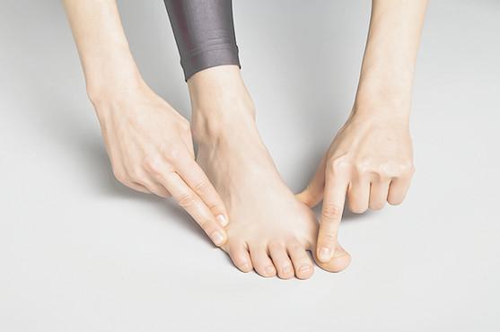 chaussures à porter pour l'hallux valgus
